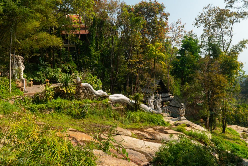 Hike to temple in Chiang Mai on the Monk's Trail