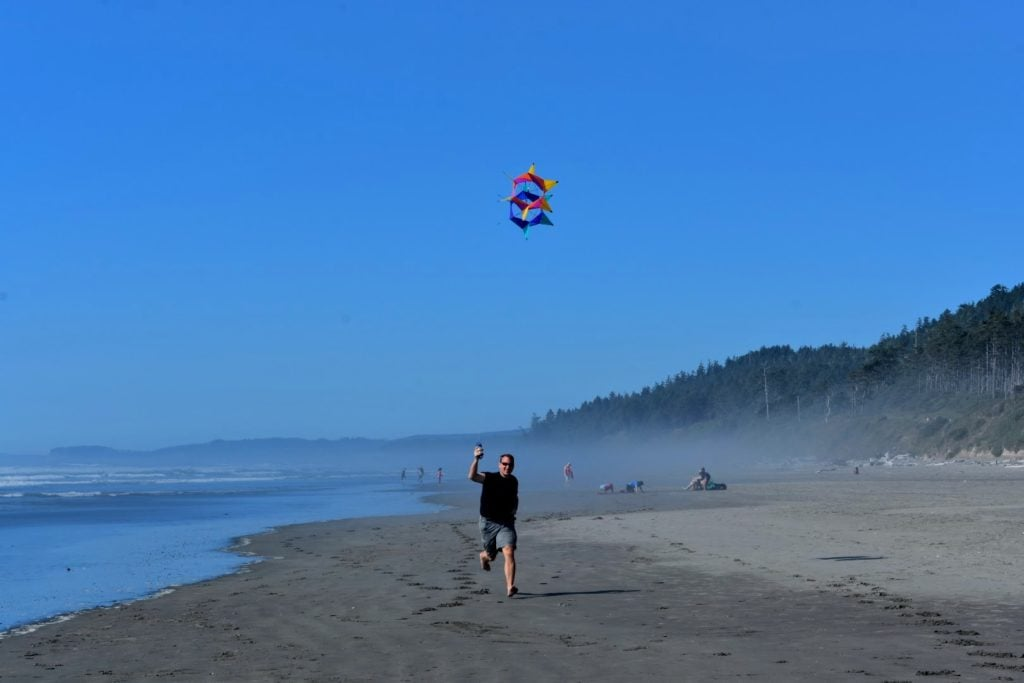 flying a kite on the beach at Kalaloch