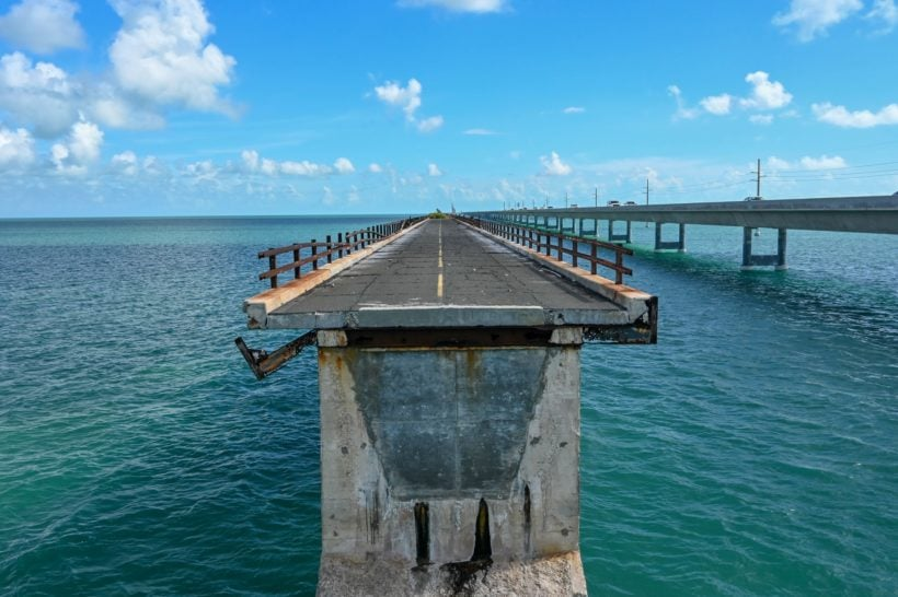 broken part of old 7 mile bridge on the way to Key West