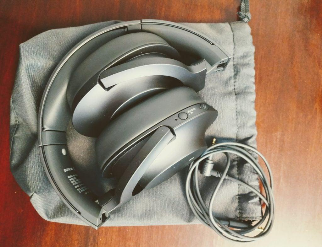 bluetooth noise-canceling headphones