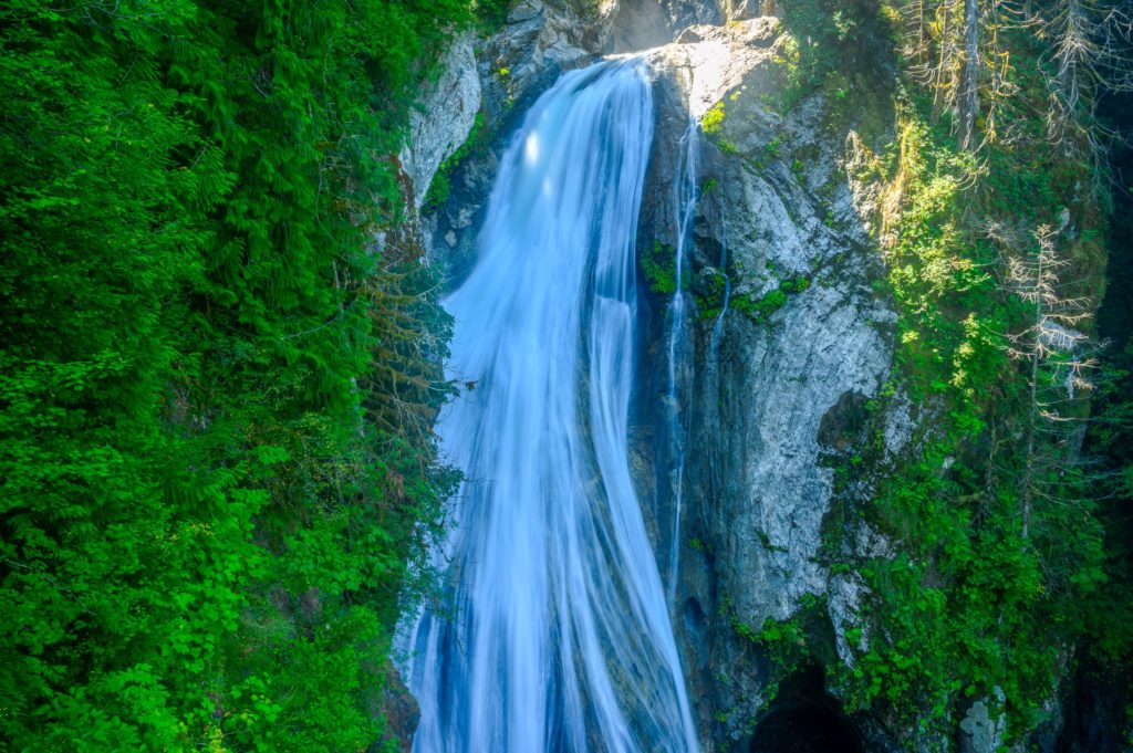 lower twin falls view