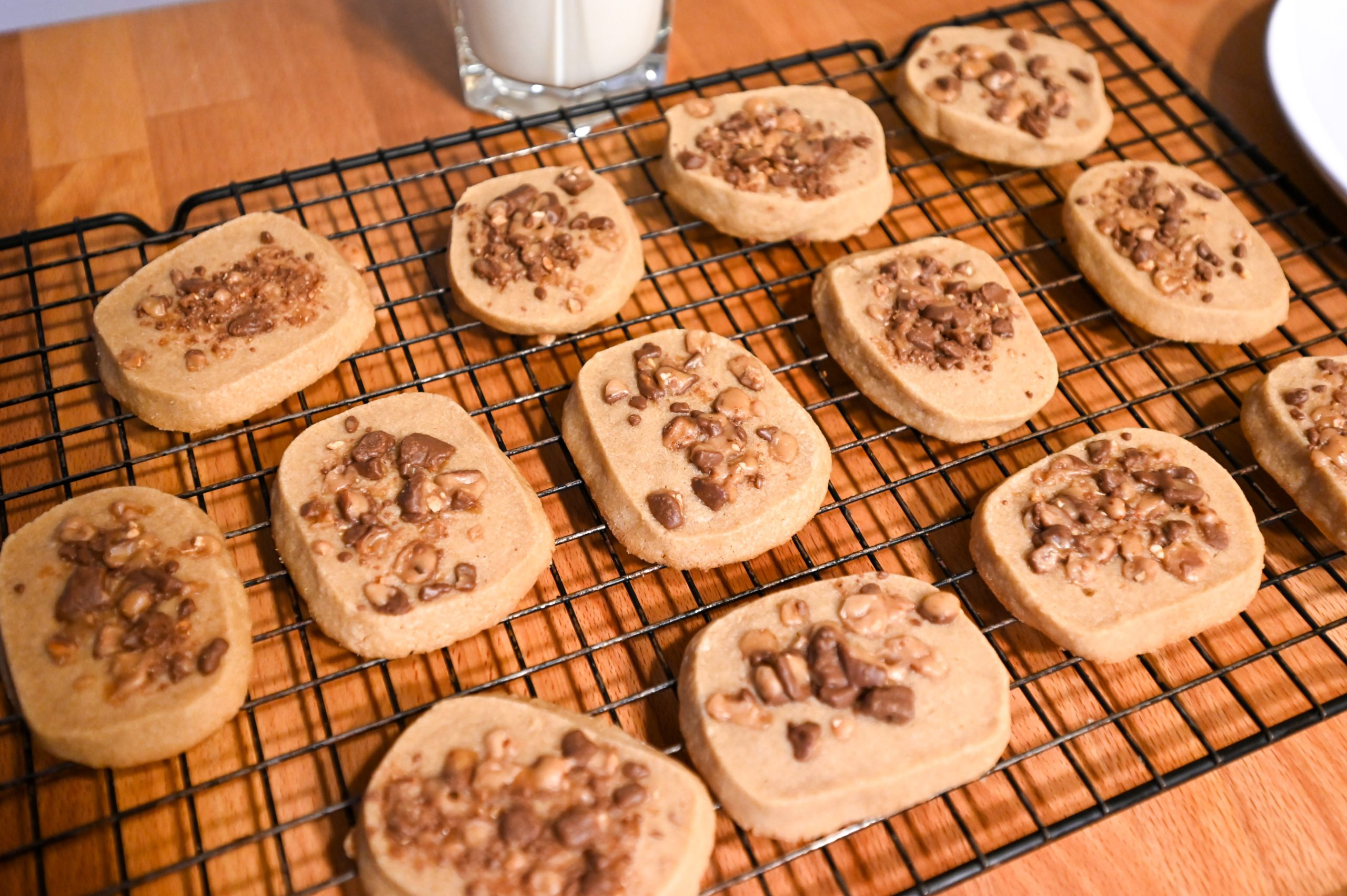 baked espresso cookies on cooling rack
