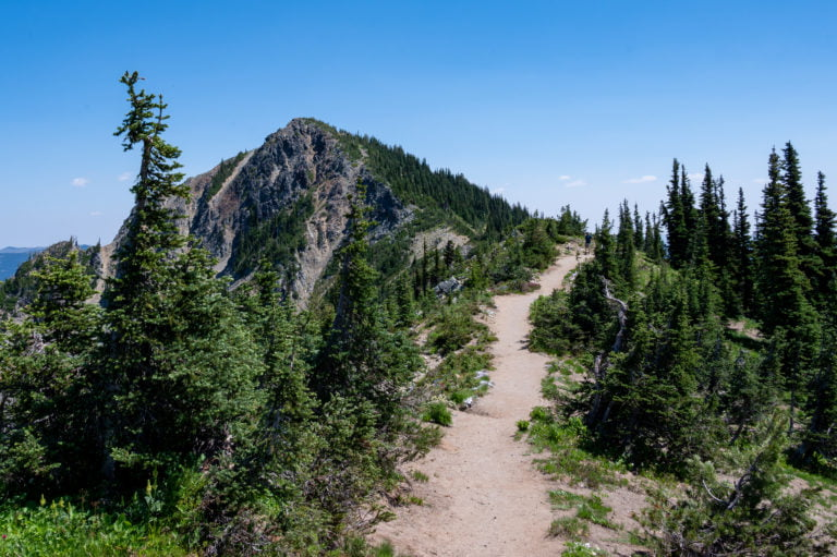 ridgeline trail to Dege Peak